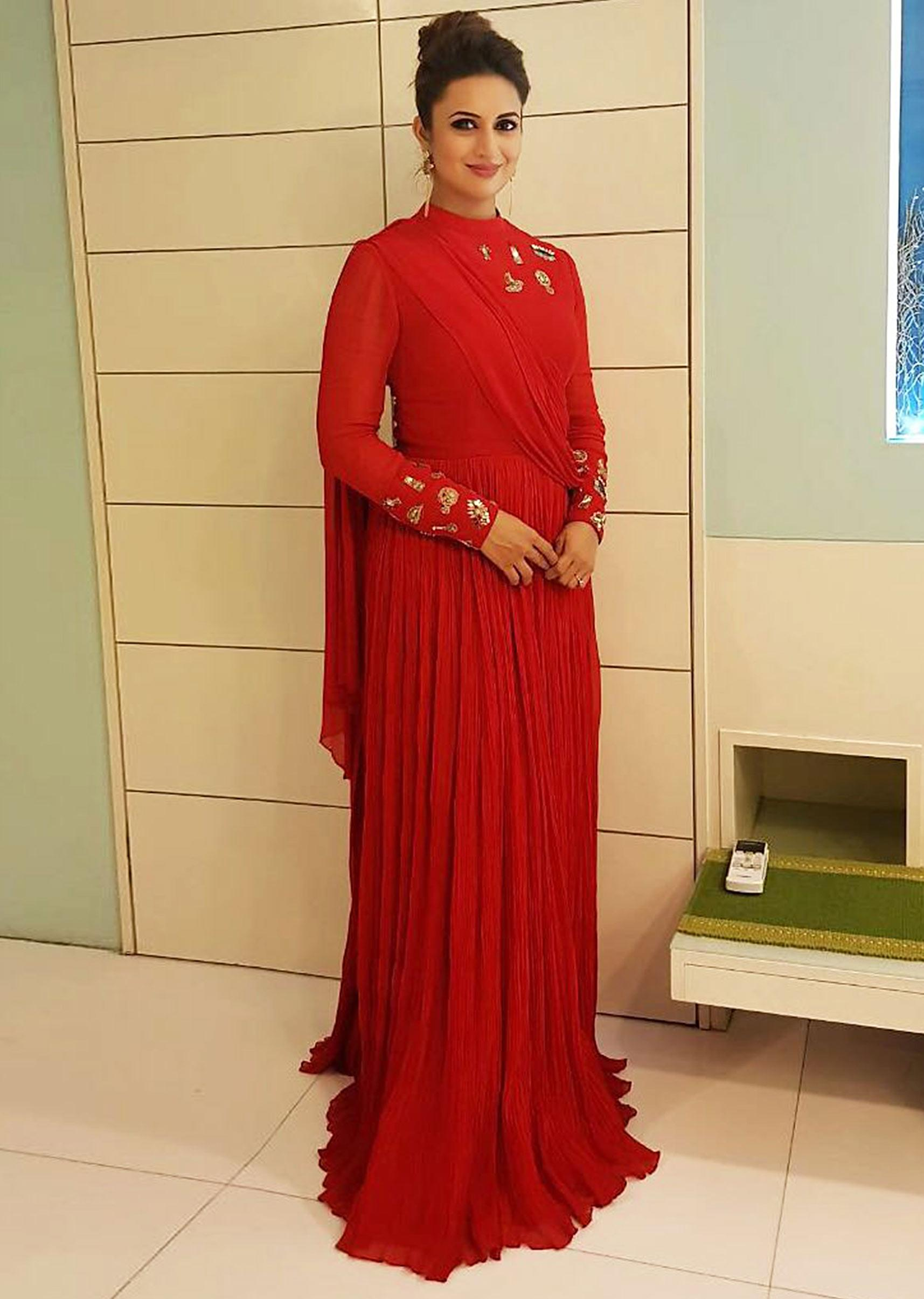 1f560fa5b0 Divyanka Tripathi quirky charm floor length georgette red gown only on  KalkiMore Detail