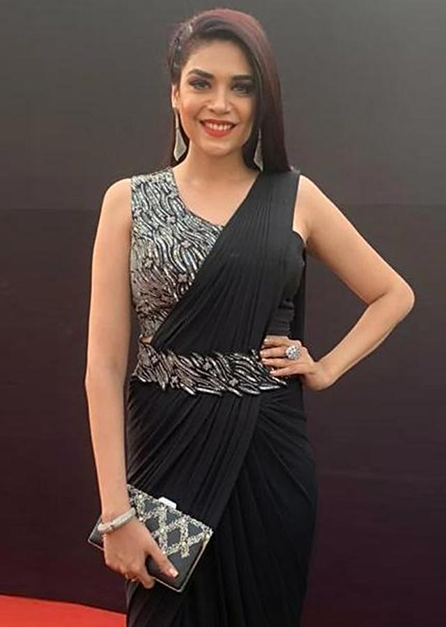 Anjum Fakih in Kalki Raven Black Ready Pleated Saree With Embellished Blouse and Belt