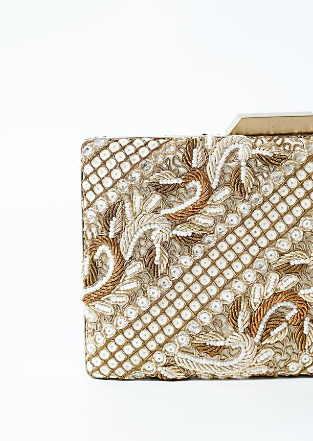 Antique Gold And White Metal Box Clutch With Hand Work On Both Sides Online - Kalki Fashion