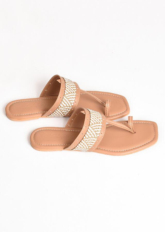 Beige T Shaped Kolhapuri Flats With Geometric Design By Sole House