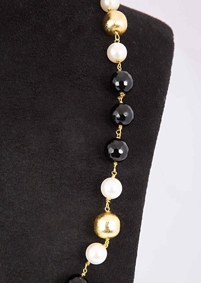 Black And Gold Beaded Necklace Along With White Pearls Online - Kalki Fashion