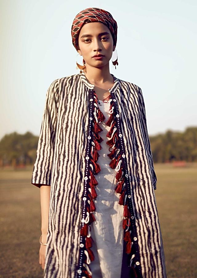 Black And White Jacket In Cotton With Printed Zebra Stripes And Tassels On The Placket Online - Kalki Fashion