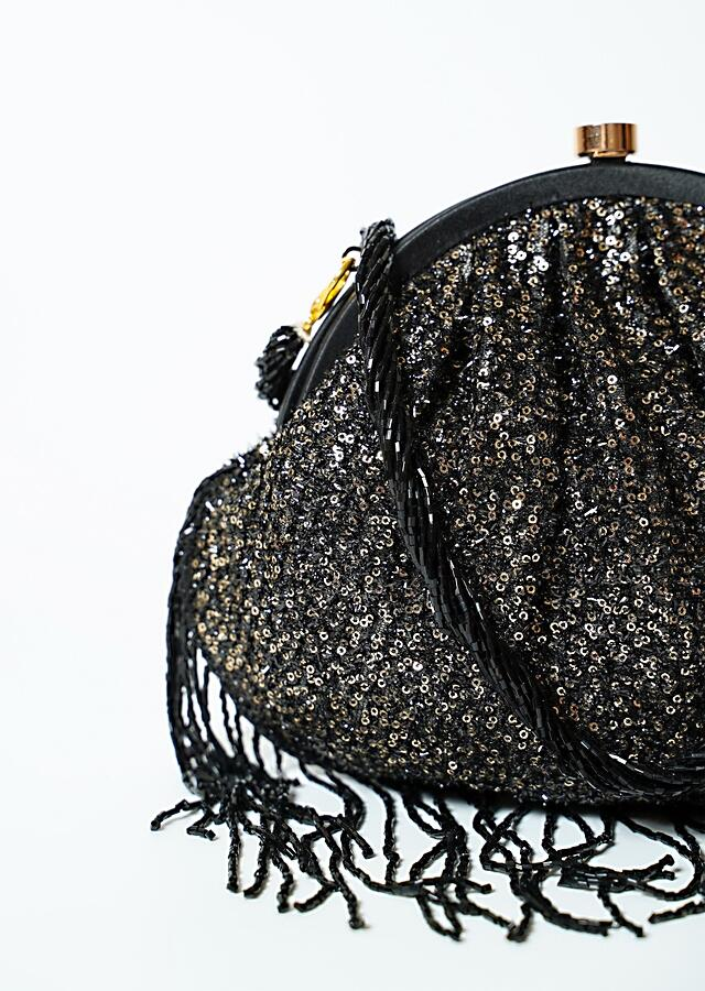 Black Clutch In Sequins Fabric With Cut Dana Fringes On The Edges By Solasta