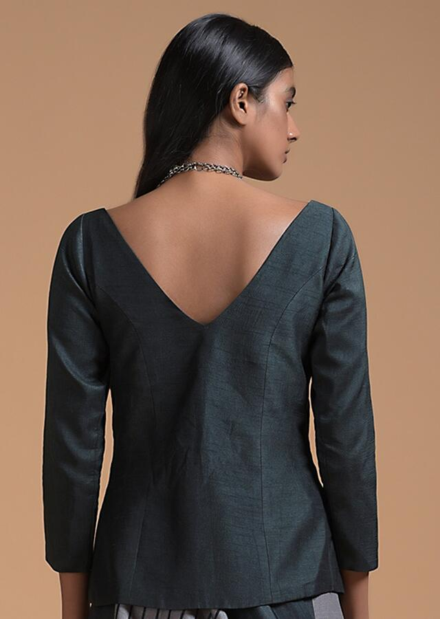 Black Jacket Blouse In Raw Silk With Sweetheart Neckline And 3/4th Sleeves Online - Kalki Fashion