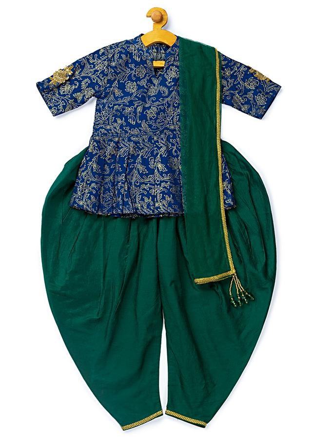 Blue Kurta And Green Cowl Pant Set With Foil Print And Hand Embroidery Patch By Mini Chic