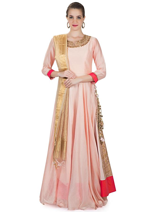 Divyanka Tripathi In Kalki Blush Pink Cotton Silk Gown With Brocade Side Kali Online - Kalki Fashion
