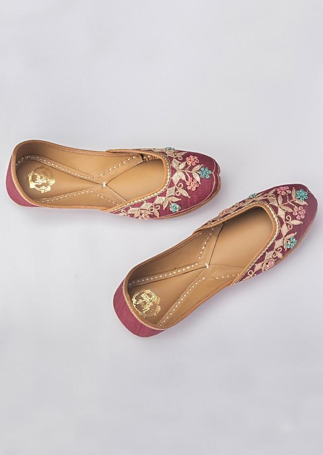 Carmine Red Juttis In Khadi Silk With French Knot Flowers Along With Gotta Work By Vareli Bafna