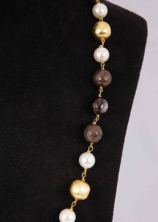 Classic Pearl Necklace With Olive Green Bead And Gold Bead Online - Kalki Fashion