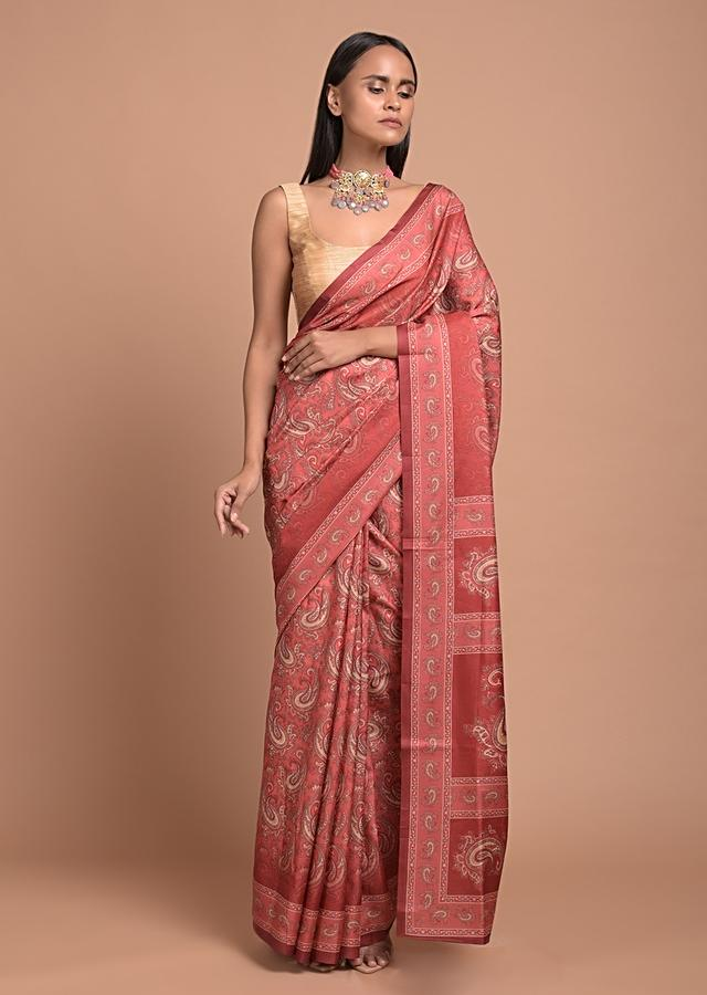 Coral Red Saree In Silk Blend With Paisley Jaal Print Online - Kalki Fashion