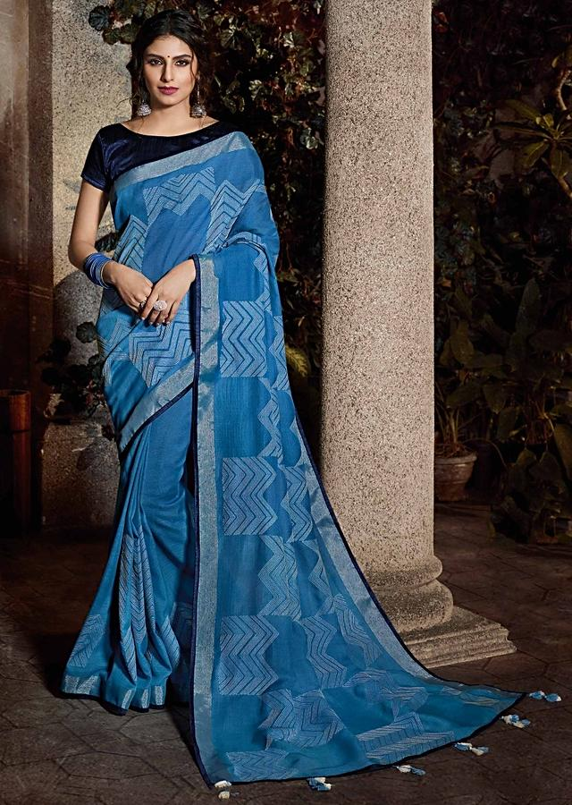 Cornflower Blue Saree In Cotton With Midnight Blue Silk Blouse Piece Online - Kalki Fashion