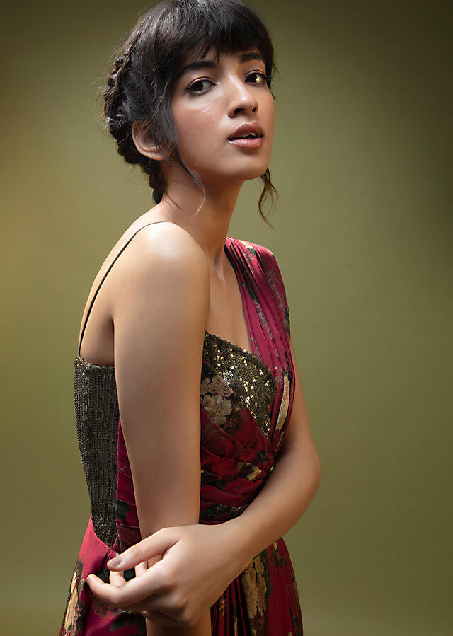 Cranberry Red Saree Gown In Satin With Moss Green Sequin Bodice And Pleat Detailing  Online - Kalki Fashion