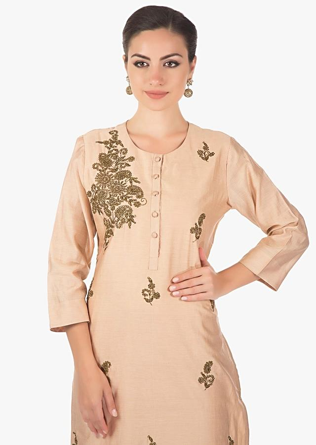 Cream Kurti In Cotton Silk With Zardosi Butti Online - Kalki Fashion