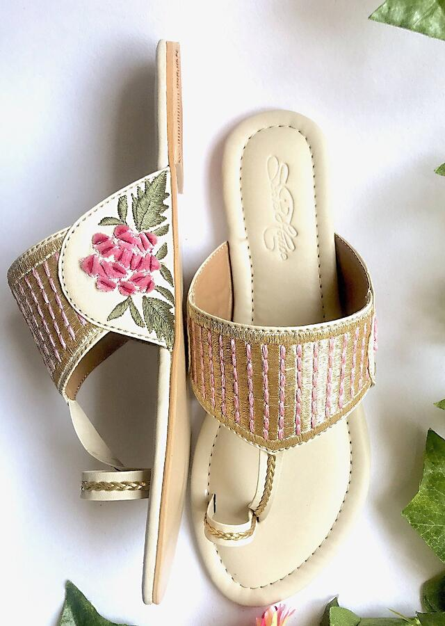 Cream Kolhapuri Flats With Traditional Zari Work And Accents Of Pink Velvet Rose Patchwork And Thread Online By Sole House