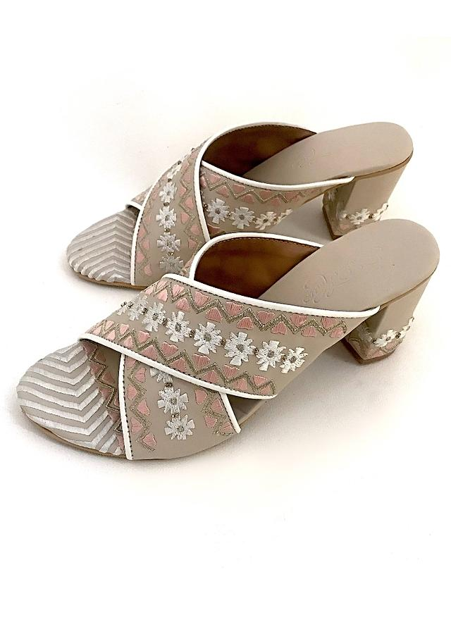 Cream Sliders With Peach And Gold Zari Embroidery In Floral Design Online By Sole House