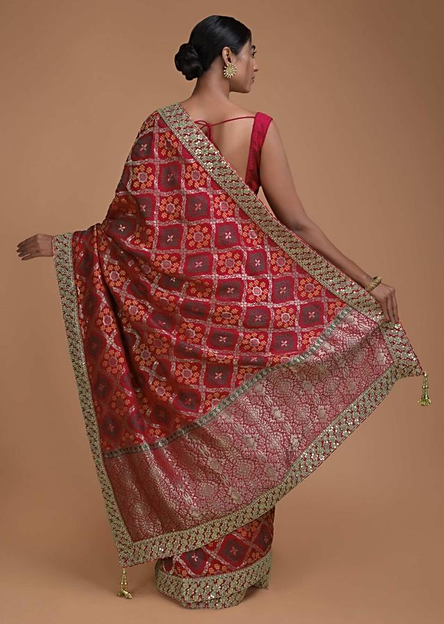 Crimson Red Saree In Silk With Weaved Checks And Floral Motifs All Over Online - Kalki Fashion