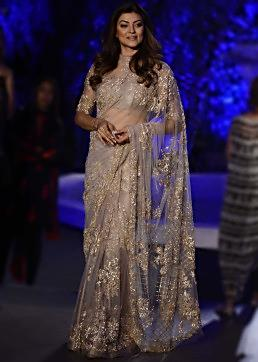 Sushmita Singh walks the ramp in Manish Malhotra Lakme Fashion week