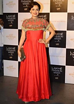 Dia Mirza walks the ramp in Manish Malhotra Lakme Fashion week