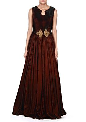 Brown gown adorn in embroidered butti