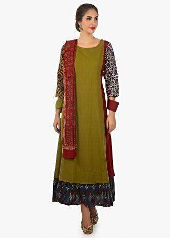 Green plain kurti with red side panels