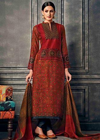 Maroon A line suit featuring with printed placket and hemline