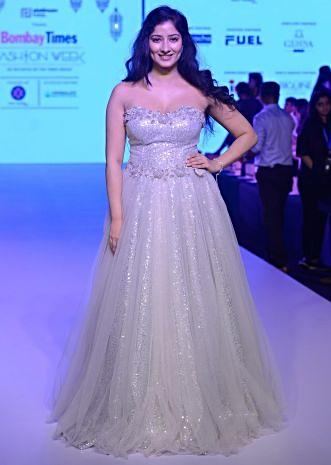 Niharica Raizada in Kalki grey 3d floral embroidered gown