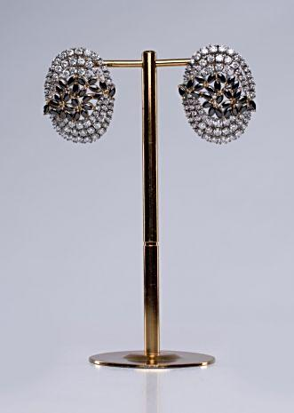 Round cluster earring studded with stone work