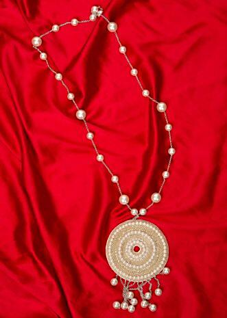 Silver chain string  pearl necklace with fabric based round pendant