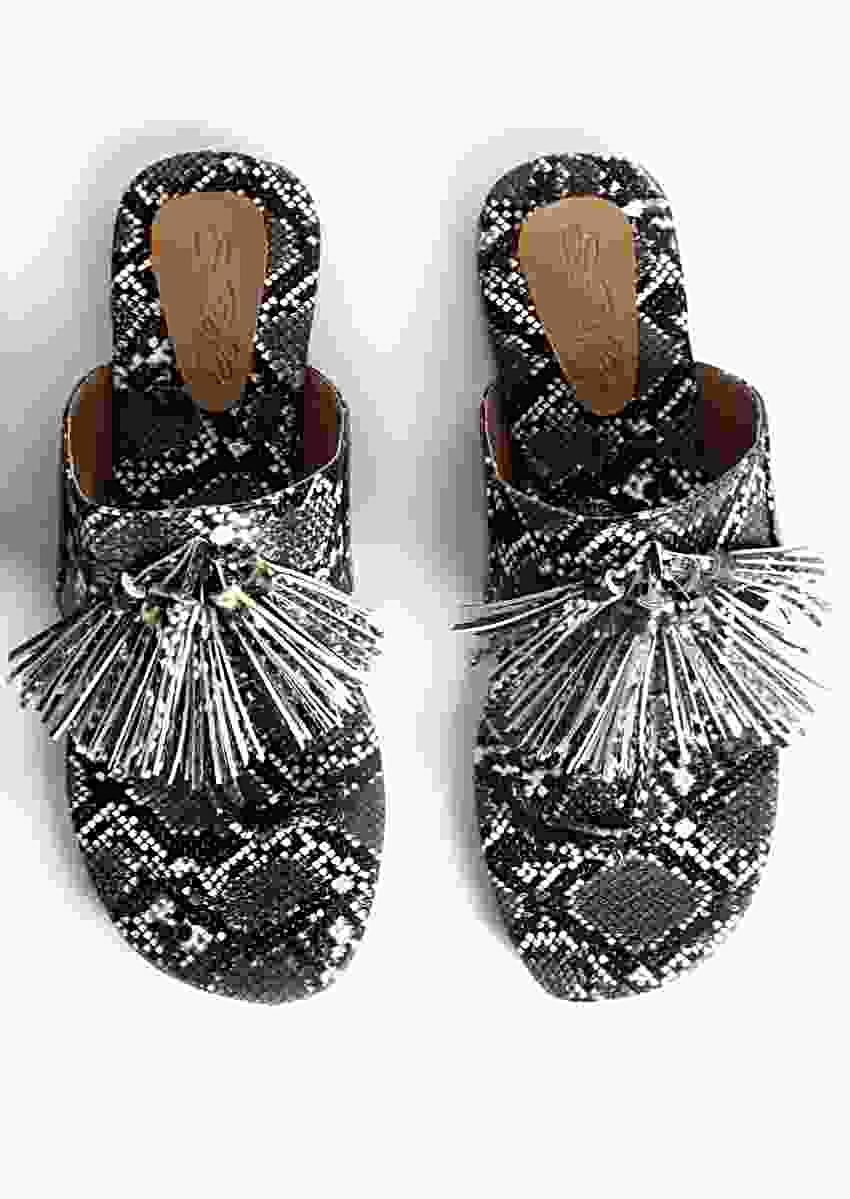 Black And White Kolhapuris With Snake Print And Tassels By Sole House