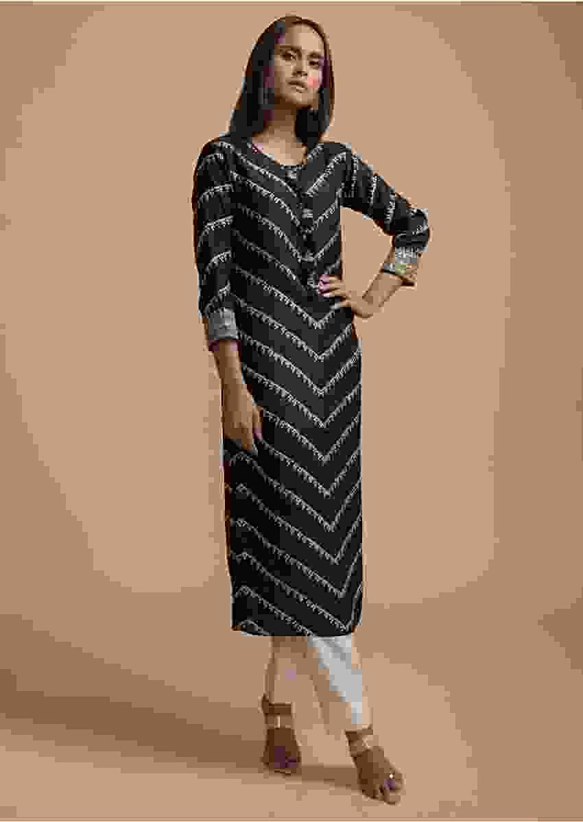 Black Kurti In Cotton With Bandhani Printed Chevron Design Online - Kalki Fashion