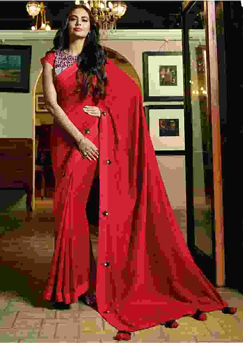 Blood Red Saree In Satin Silk With Contrast Printed Blouse Online - Kalki Fashion
