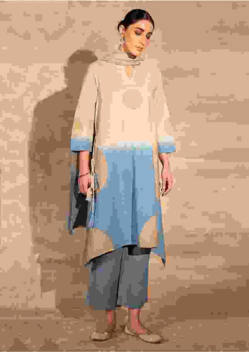 Blue And Beige Ombre Kurta Set In Cotton With Foil Print Online - Kalki Fashion