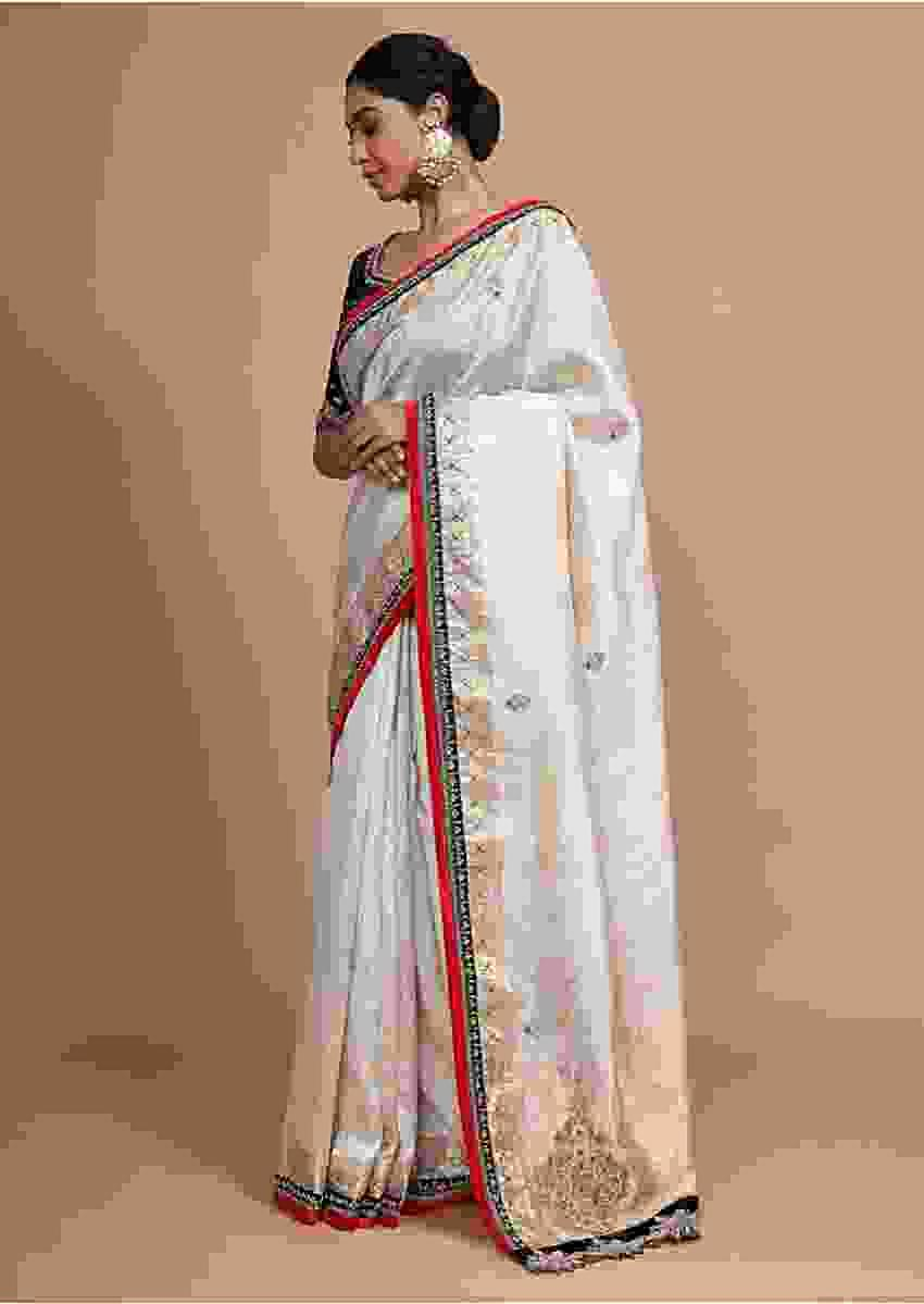 Cream White Handloom Saree In Chanderi Silk With Zardosi Work And Weaved Design Online - Kalki Fashion