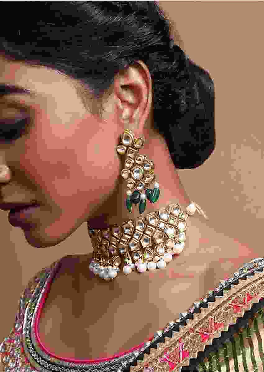 Gold Plated Choker Designed With Kundan And Dangling Pearls By Prerto