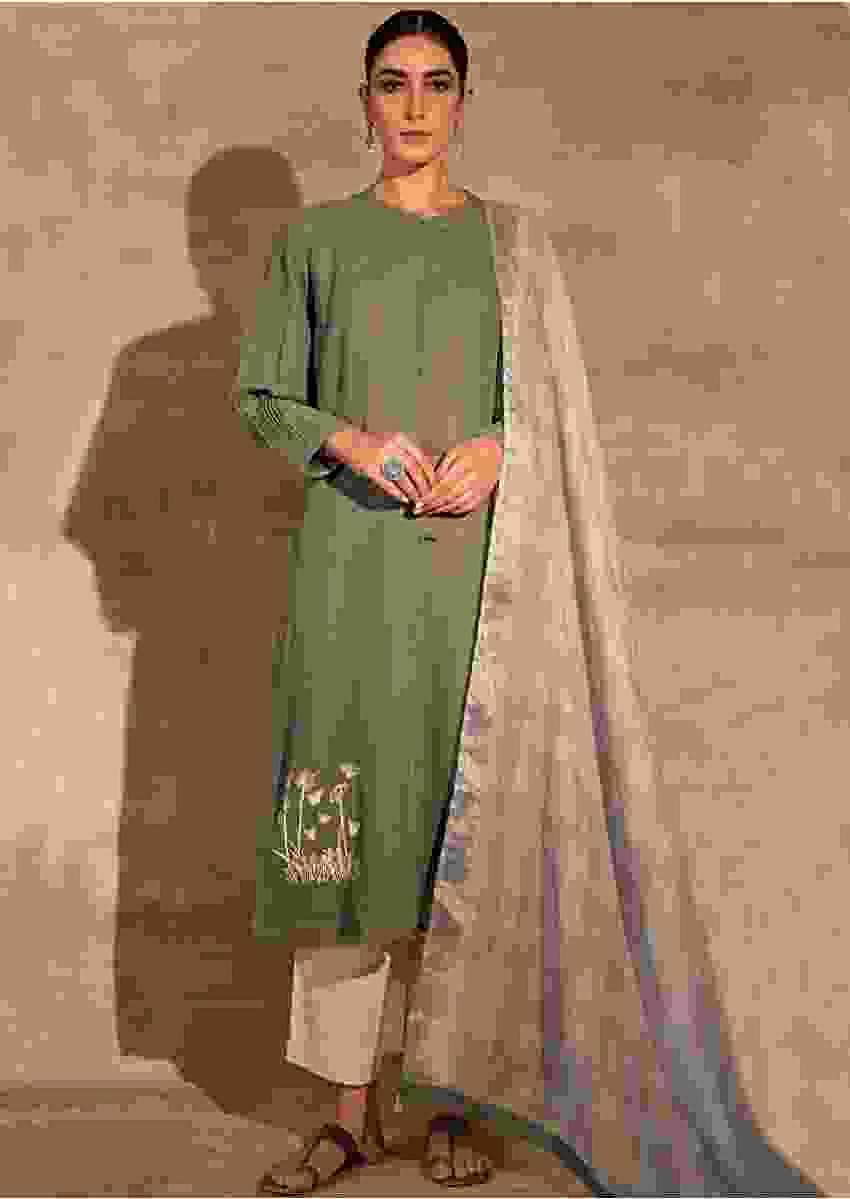 Green Kurta Set In Linen With Aari Thread Work And Checks Dupatta Online - Kalki Fashion