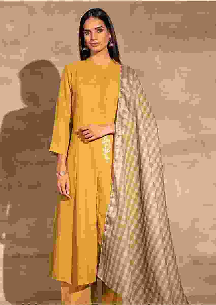 Green Straight Cut Palazzo Suit In Linen With Aari Thread Work And Checks Dupatta Online - Kalki Fashion