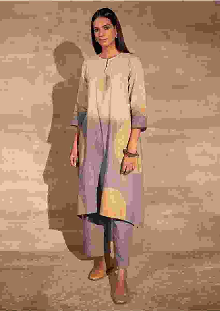 Grey And Beige Ombre Kurta Set In Cotton With Foil Print Online - Kalki Fashion