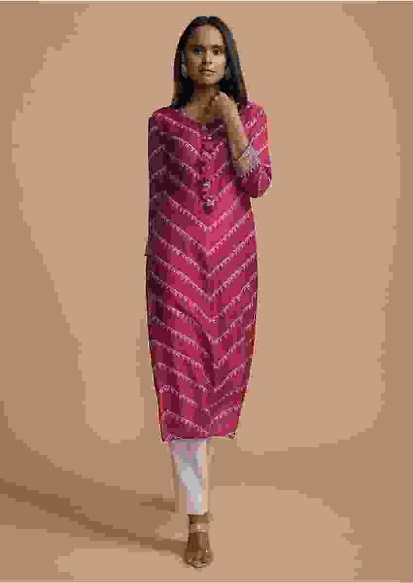 Magenta Kurti In Cotton With Bandhani Printed Chevron Design Online - Kalki Fashion