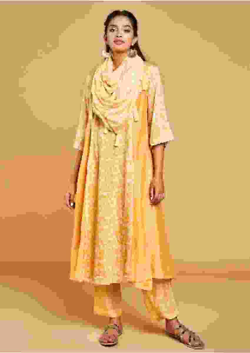 Mellow Yellow A Line Suit In Cotton With Printed Floral Pattern On The Center Panel Online - Kalki Fashion