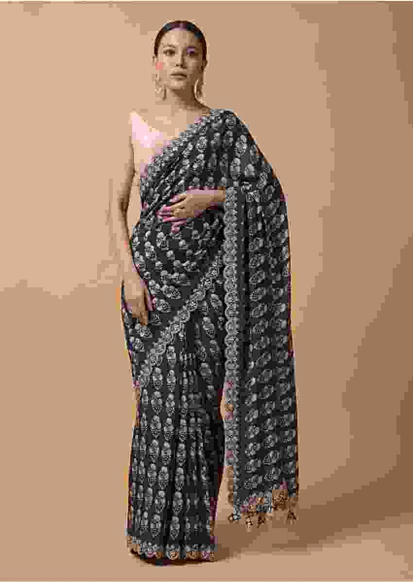 Navy Blue Saree In Cotton With Floral Printed Buttis And Gotta Embroidered Border Online - Kalki Fashion