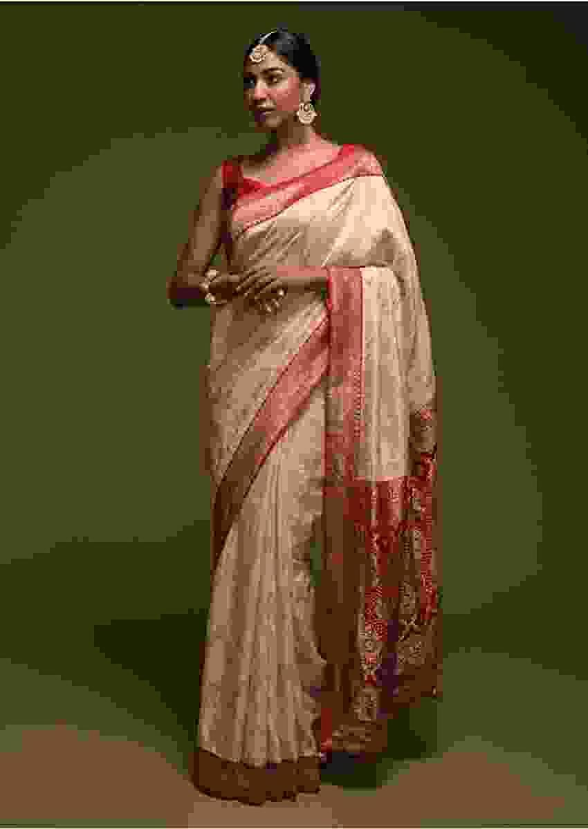 Off White Banarasi Saree In Silk Blend With Woven Mesh Jaal Online - Kalki Fashion