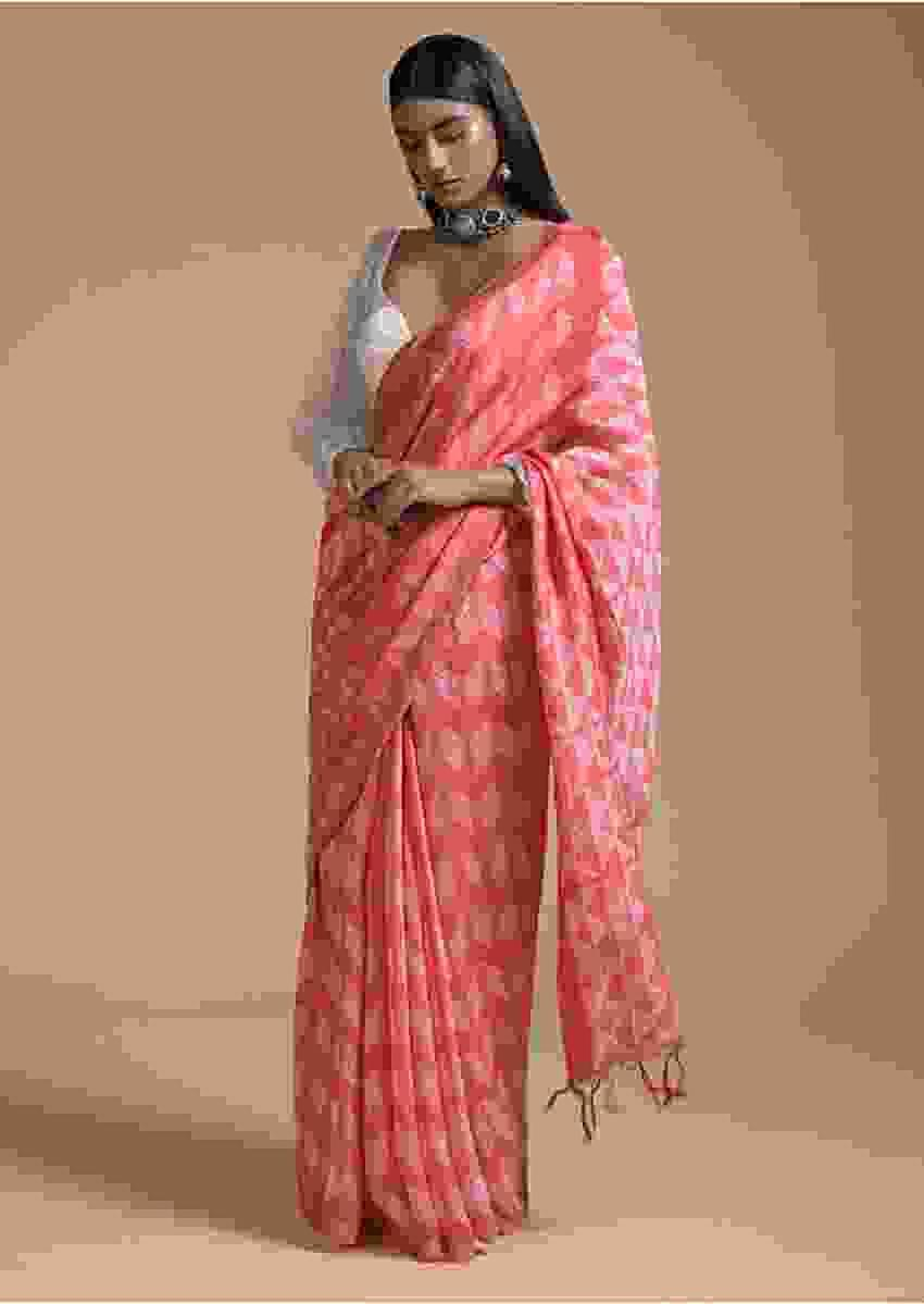 Peach Saree In Cotton With Batik Printed Buttis In Geometric Motif Online - Kalki Fashion