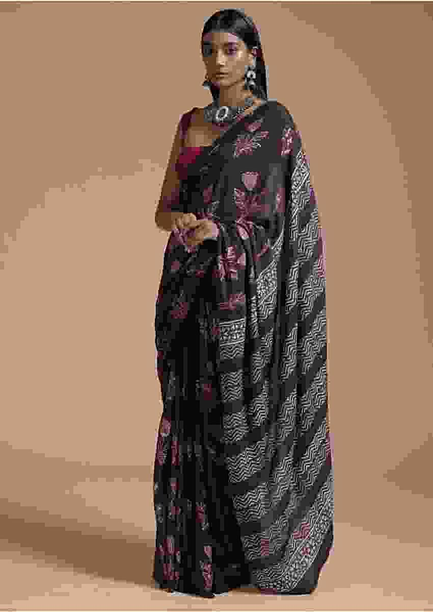 Raisin Purple Saree In Cotton With Batik Printed Floral Buttis Online - Kalki Fashion