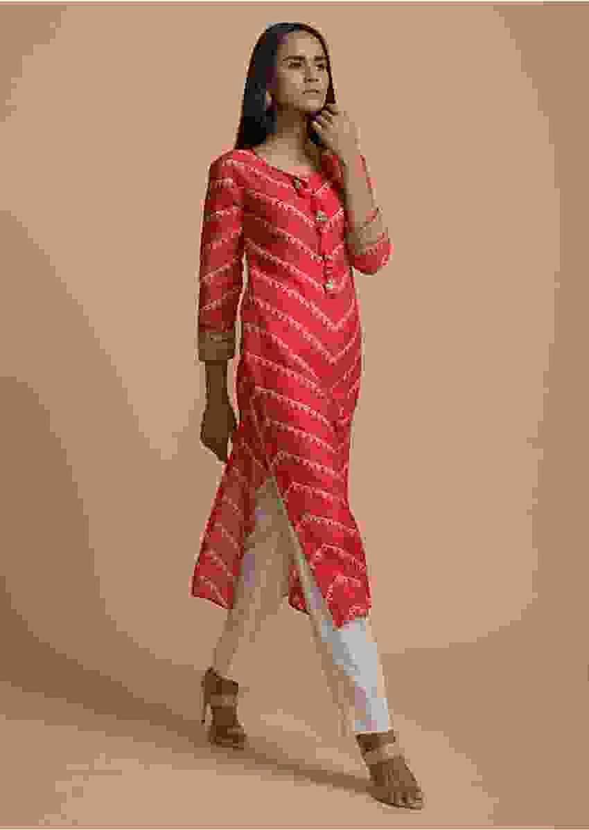 Red Kurti In Cotton With Bandhani Printed Chevron Design Online - Kalki Fashion