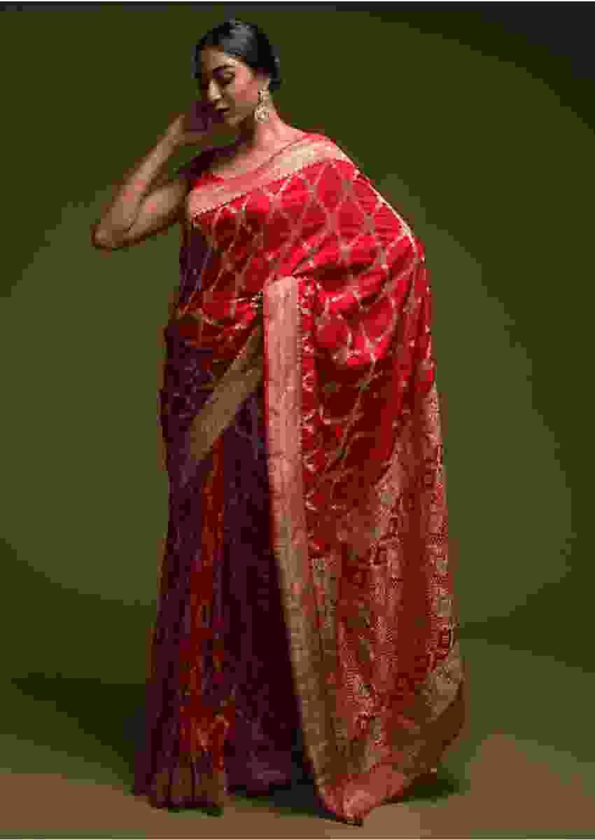Scarlet Red Banarasi Saree In Silk Blend With Woven Mesh Jaal Online - Kalki Fashion