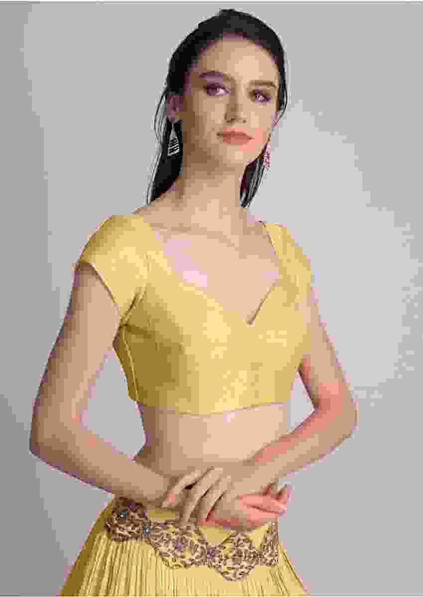 Yellow Blouse In Raw Silk With Sweet Heart Neckline Online - Kalki Fashion