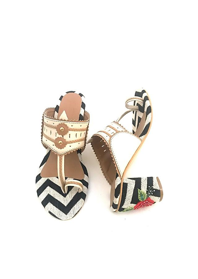 Nude Kolhapuri Heels With Monochrome Design And Rose Embroidered Heel By Sole House