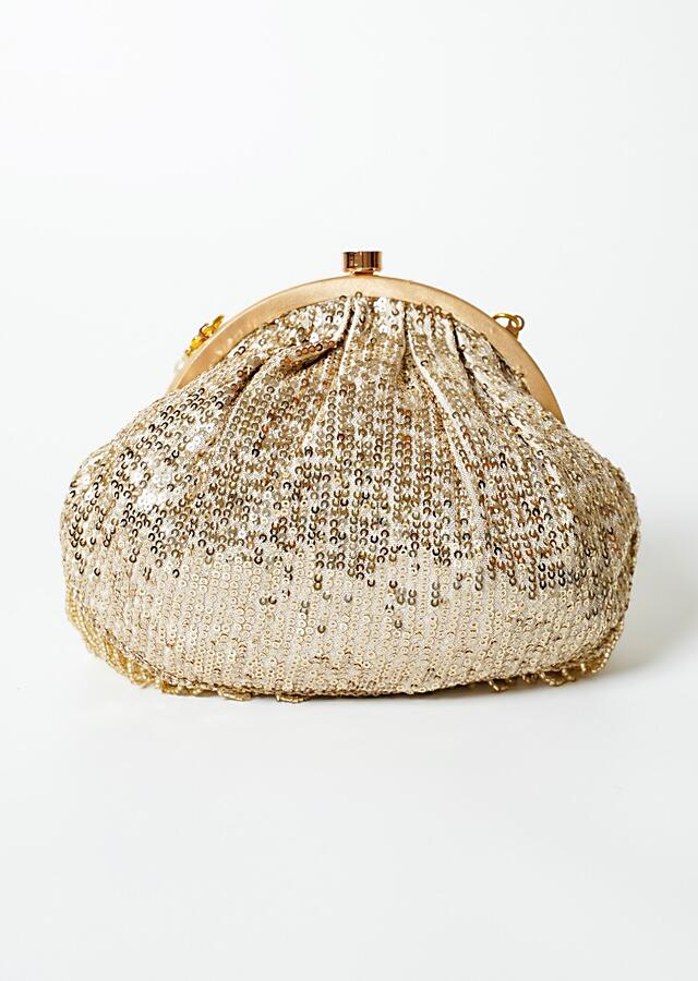 Gold Clutch In Sequins Fabric With Cut Dana Fringes On The Edges By Solasta