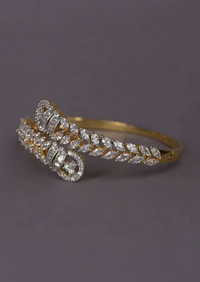 Gold Plated Bracelet With Crystals And Bugle Beads In Over Lapping Pattern Online - Kalki Fashion