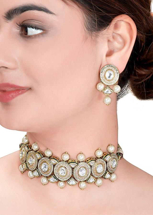 Gold Plated Choker Set With Polki, Meenakari And Dangling Shell Pearls Online - Joules By Radhika