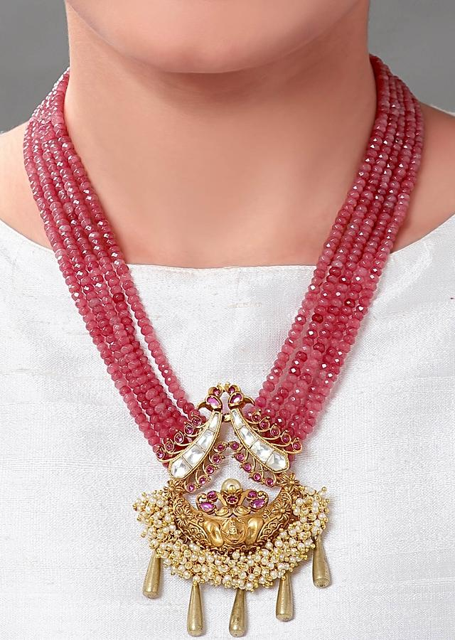 Gold Plated Set With Pink Agate Beads And A Temple Pendant Online - Joules By Radhika